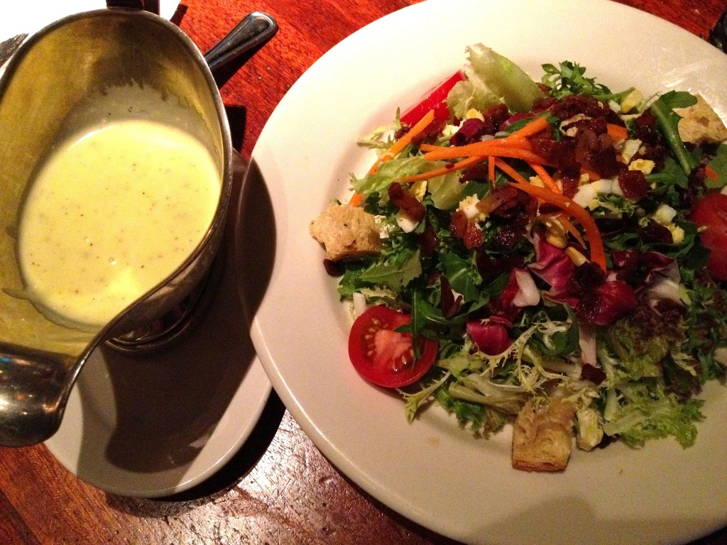 Hillstone traditional salad